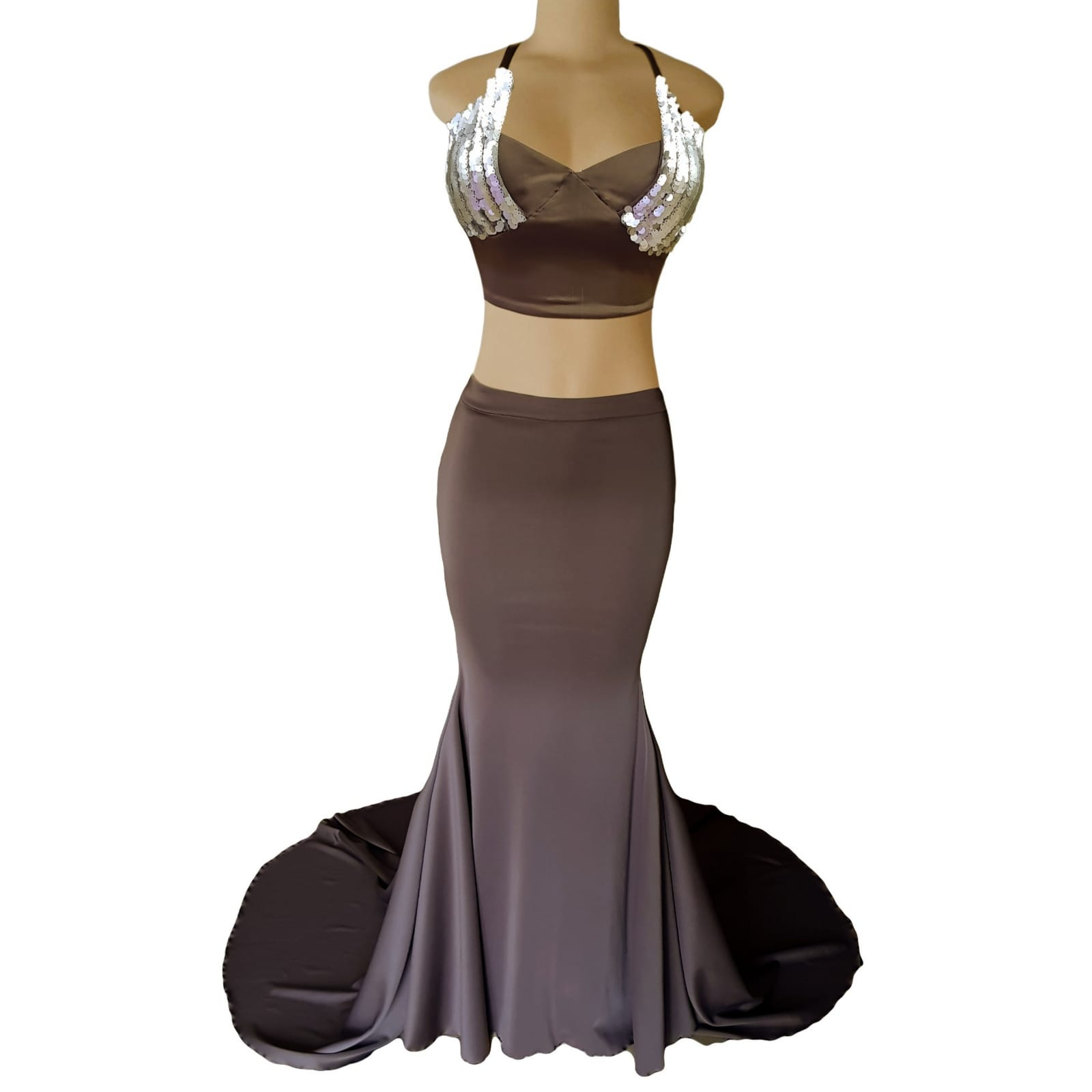 2 piece brown gray prom dress 5 2 piece brown gray prom dress. Skirt as a soft mermaid. Top with an open lace up back. Bust detailed with sequins. With a long train.