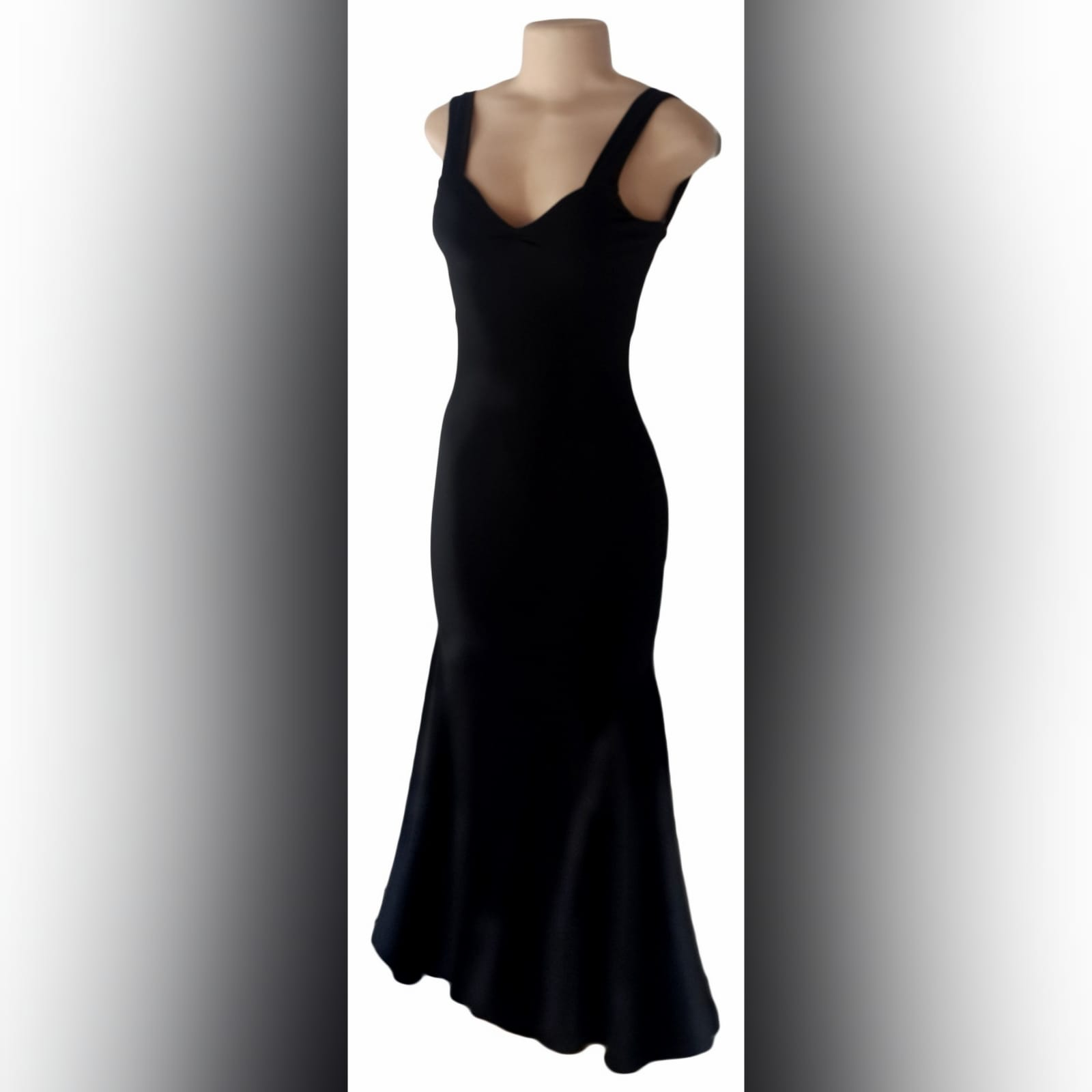 Black sexy evening dress fitted till the hip 1 black sexy evening dress fitted till the hip, with a low v open back. Straps with a sweetheart neckline.