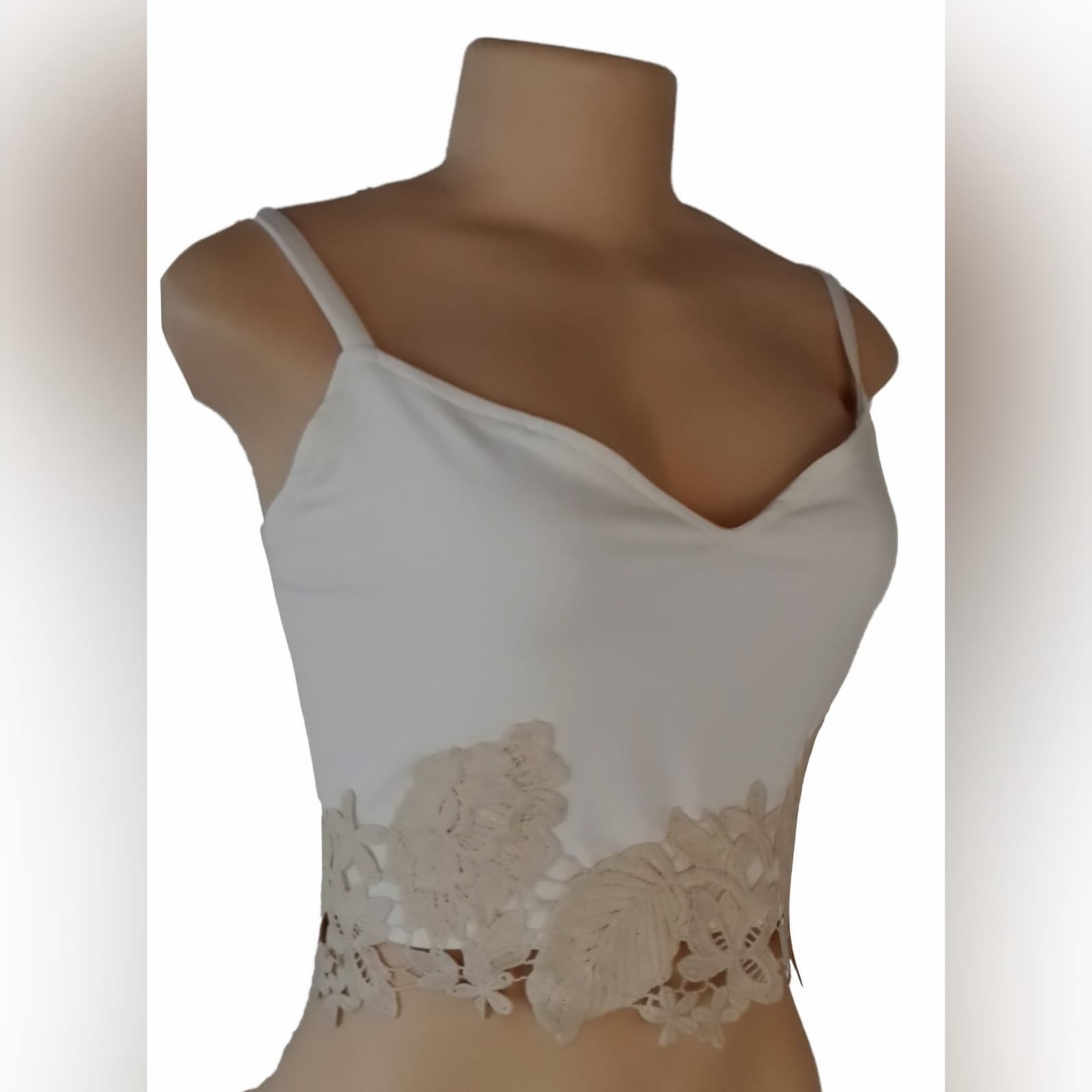 Cream and beige crop top 1 cream and beige crop top with a sweetheart neckline and lace hem detail