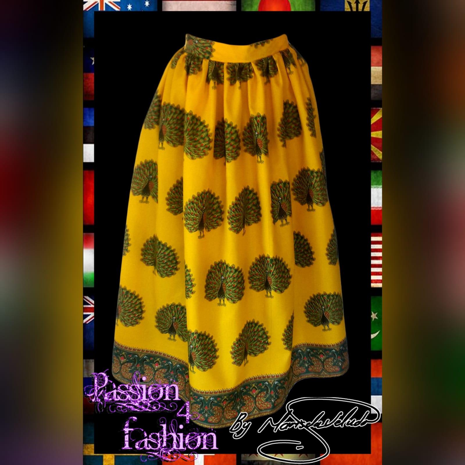 Saia reunida amarela tradicional 1 saia reunida amarela tradicional comprimento longo / tornozelo