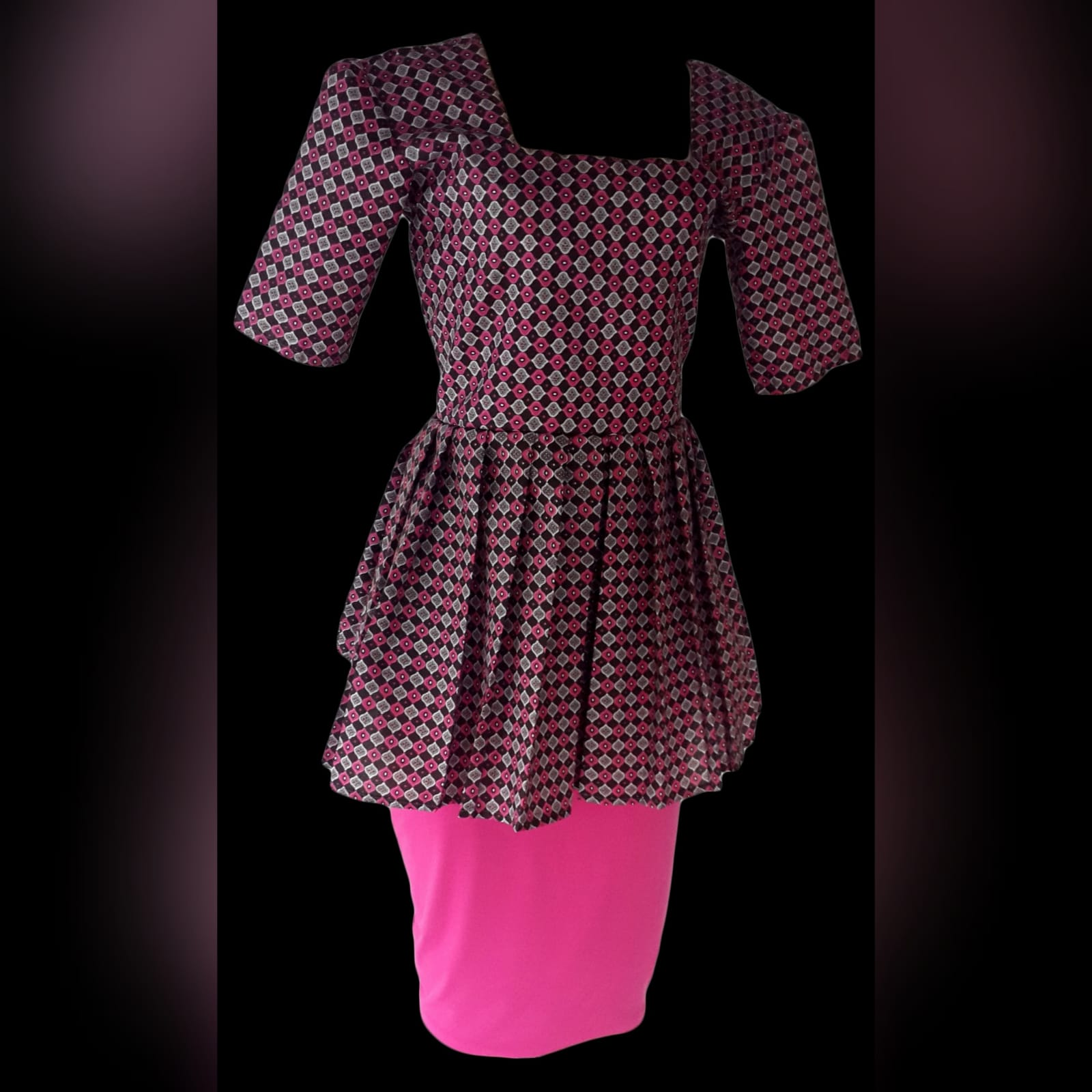 Pink pencil skirt and traditional top in xhosa print 4 a stretch pencil skirt and a traditional top with a square neckline. 3/4 sleeves & frills on the waist. Delivered to the client.
