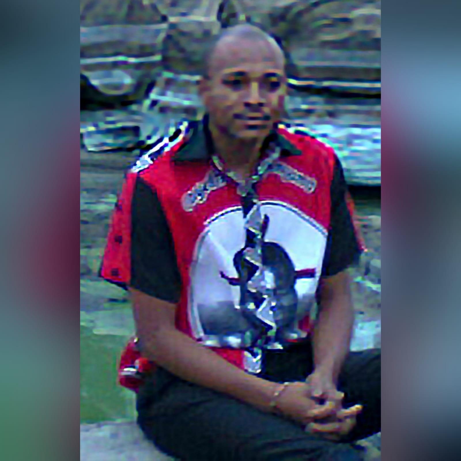 Camisa tradicional tecido africano 1 camisa tradicional masculina em vermelho de tecido africano swati. Com detalhe de botões nas mangas