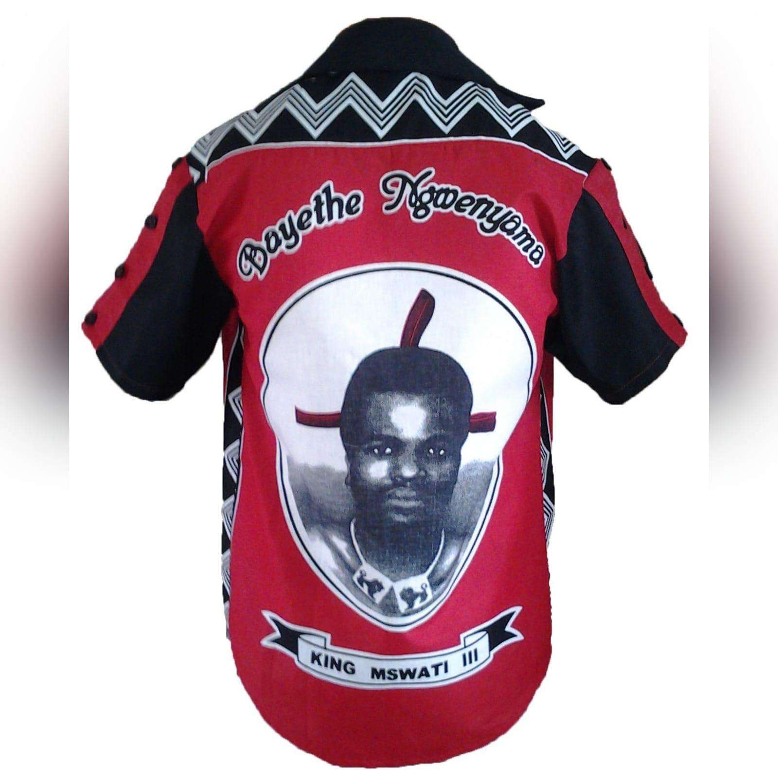 Camisa tradicional tecido africano 6 camisa tradicional masculina em vermelho de tecido africano swati. Com detalhe de botões nas mangas