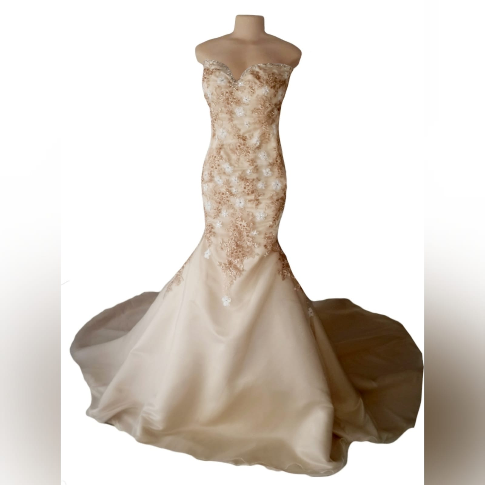 Sweet heart boob tube champagne wedding dress 7 champagne & white mermaid wedding dress, sweet heart boob tube with a lace up back. Bodice detailed with lace & beads