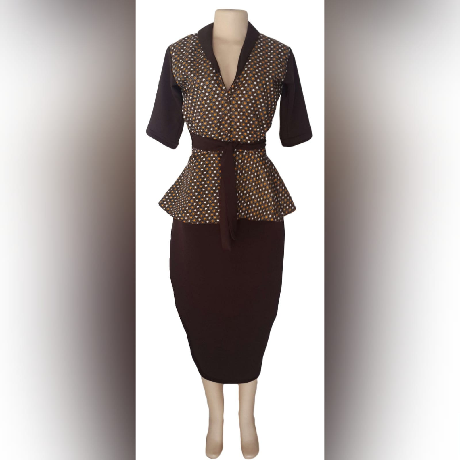Xhosa traditional wear blouse and matching brown pencil skirt 4 a pencil skirt below the knee with a back slit. With a xhosa traditional blouse. Blouse with sleeves, collar and belt in brown matching the skirt.