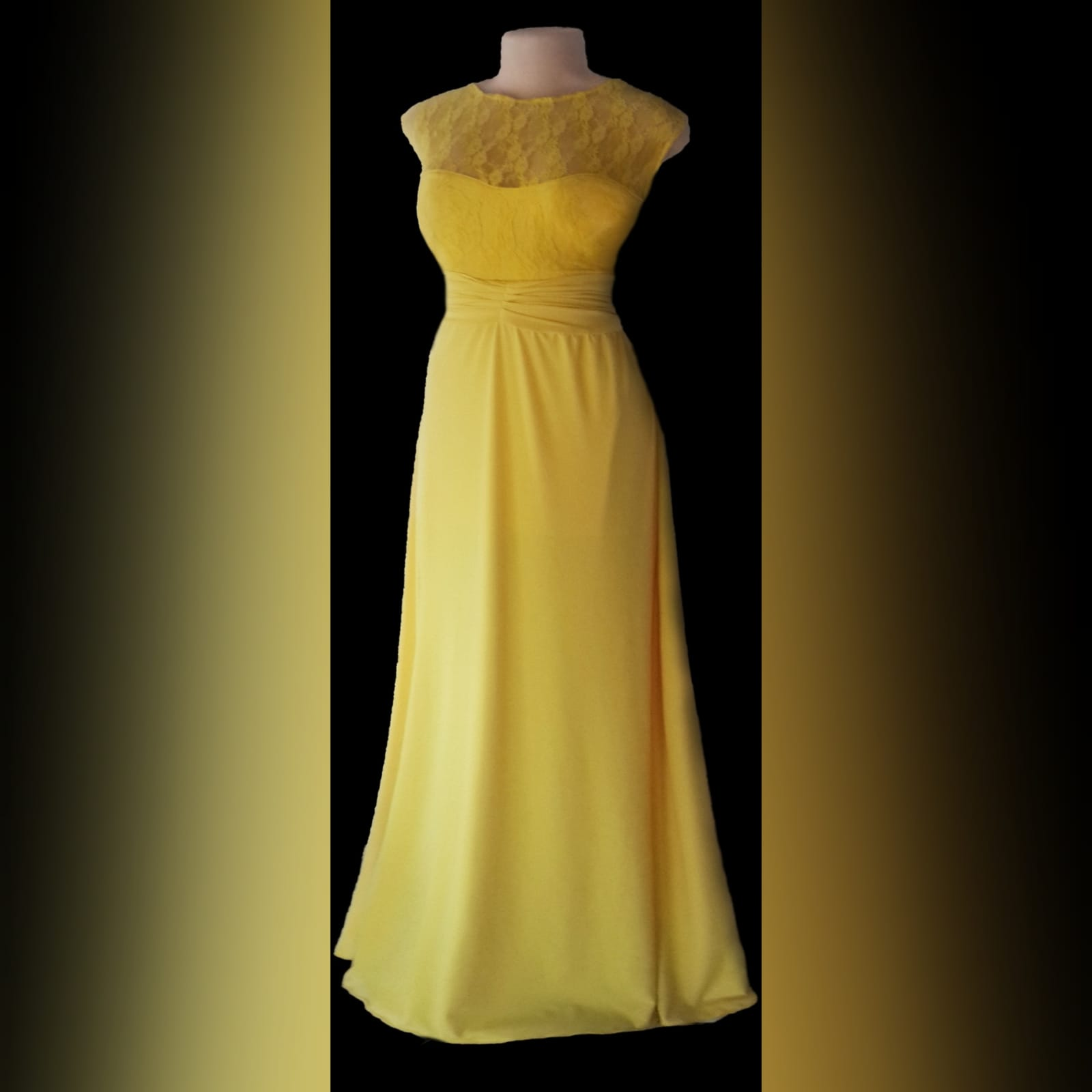 Yellow long evening dress with a lace bodice 4 yellow long evening dress with a lace bodice, rouged belt and a slit. Flowy.