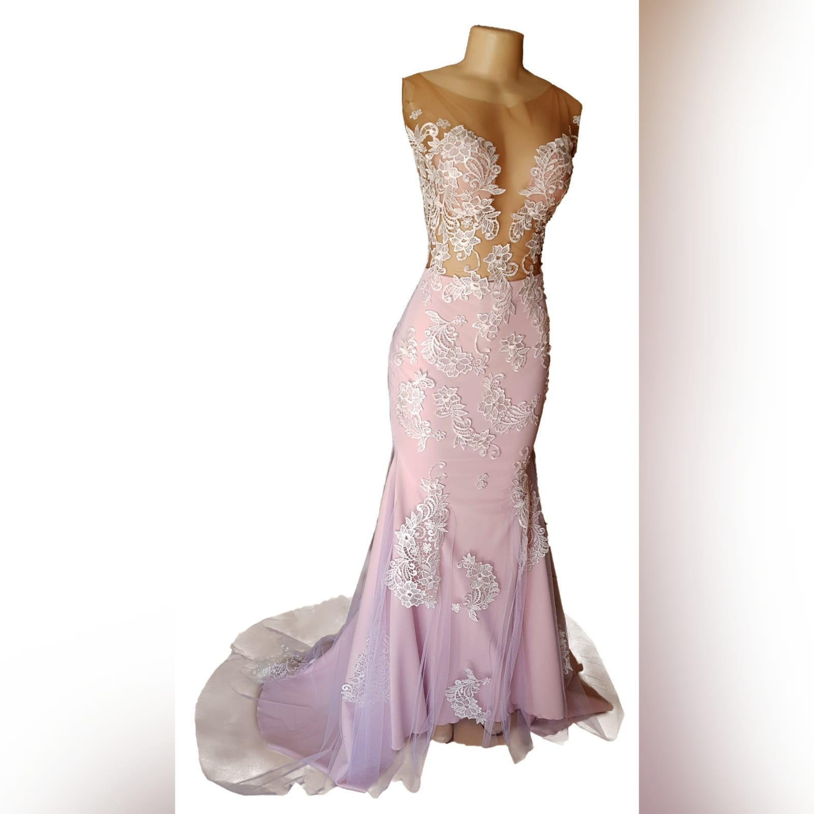 Pink and white lace soft mermaid prom dress 6 pink and white lace soft mermaid prom dress with an illusion bodice detailed with lace, an illusion open back. Bottom with an overlayer of tulle detailed with lace and a train.