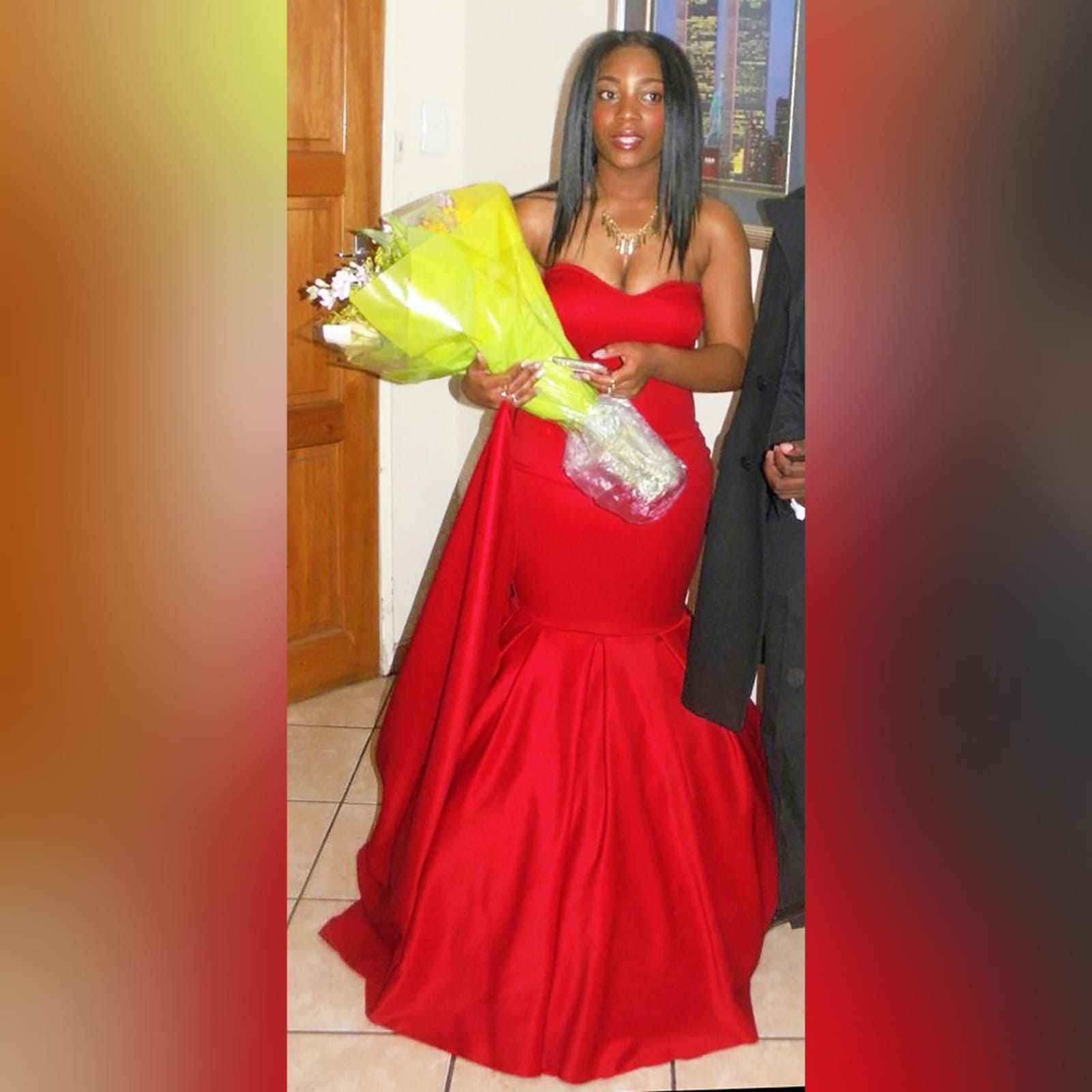 Vestido caicai sereia vermelho de finalistas 5 vestido caicai sereia vermelho de finalistas com um decote coração e fundo com volume e uma cauda