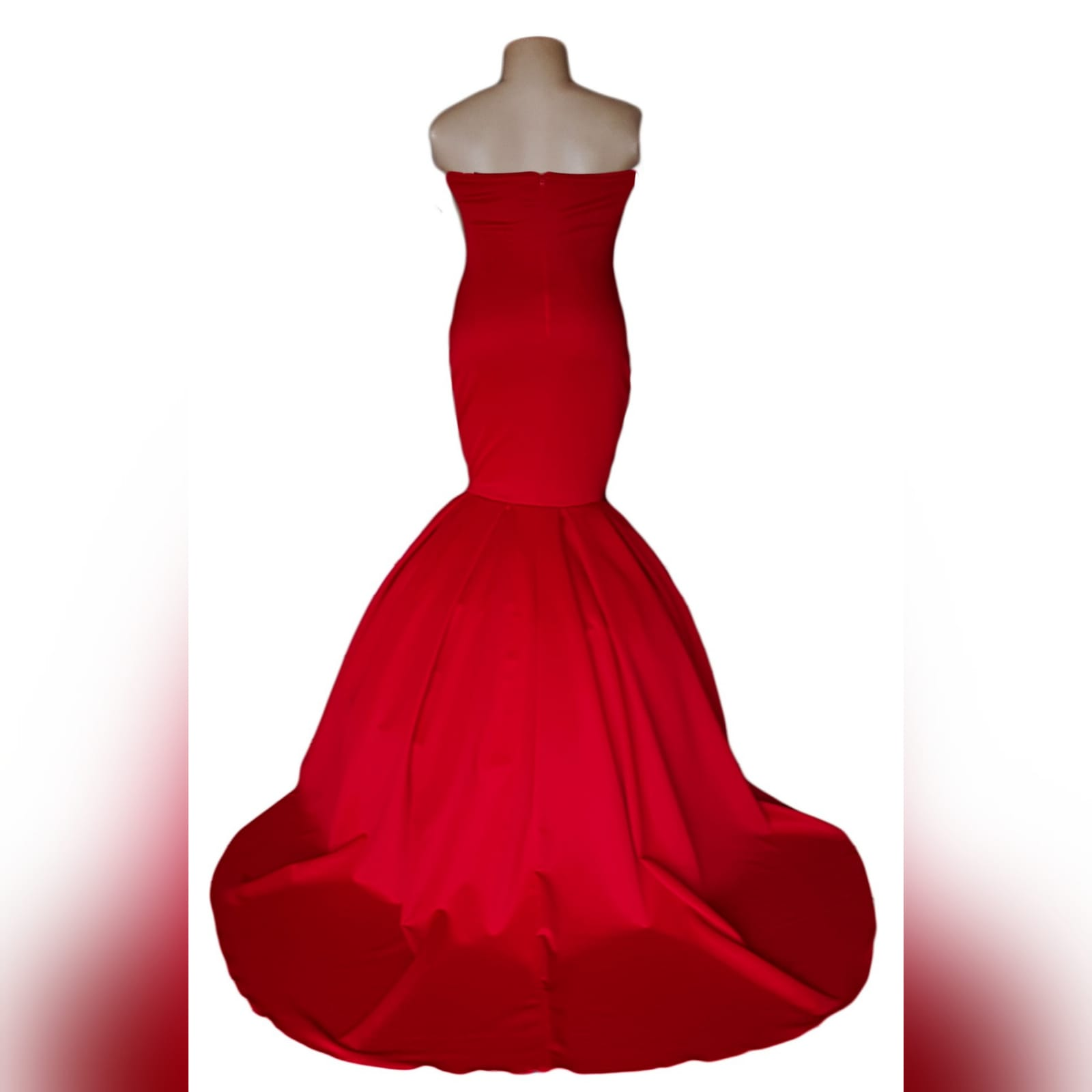 Bright red boobtube mermaid prom dress 6 bright red boobtube mermaid prom dress with a sweetheart neckline, bottom with volume and a train.