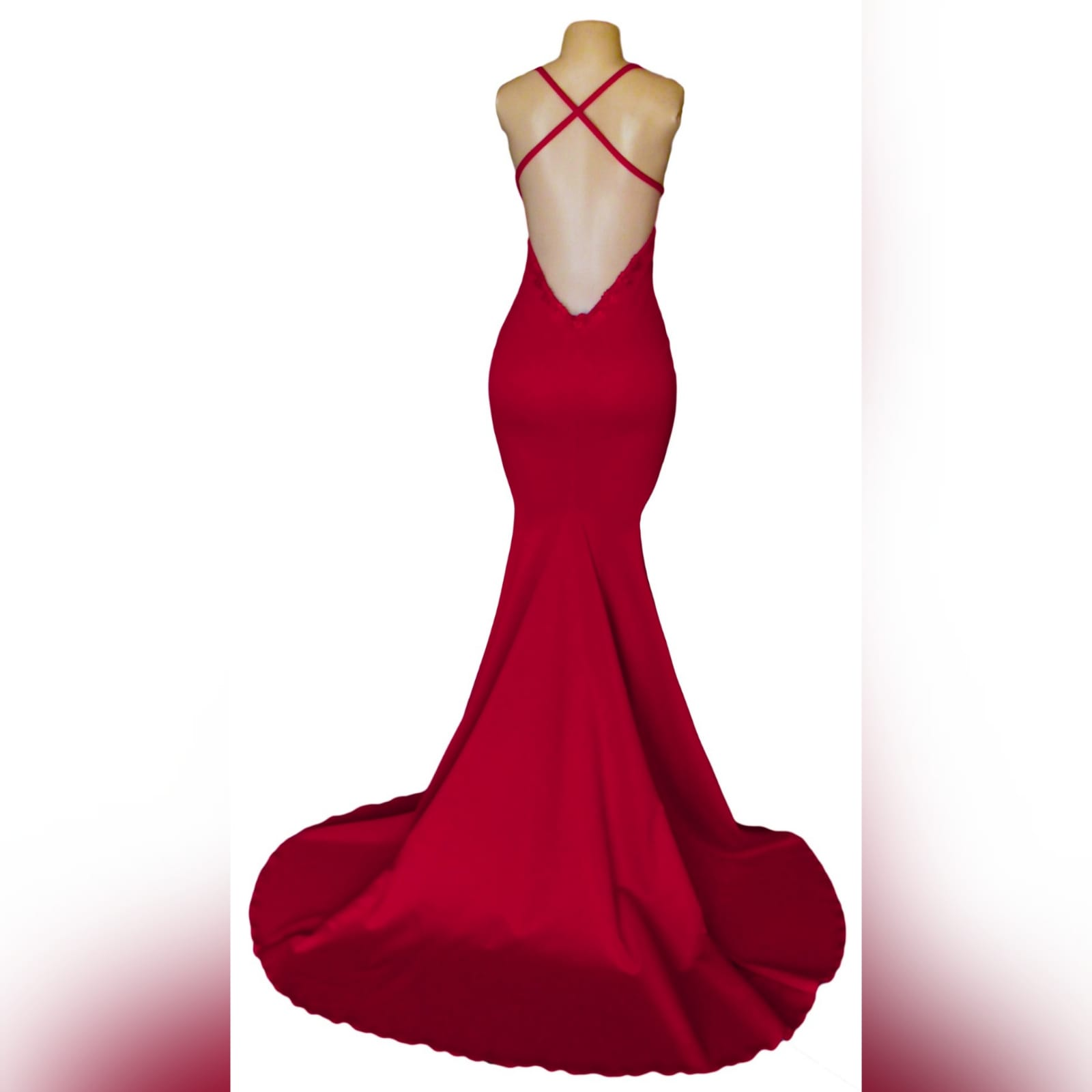 Red soft mermaid prom dress with a v neckline 6 red soft mermaid prom dress with a v neckline, a low open back and thin crossed shoulder straps, with a train.