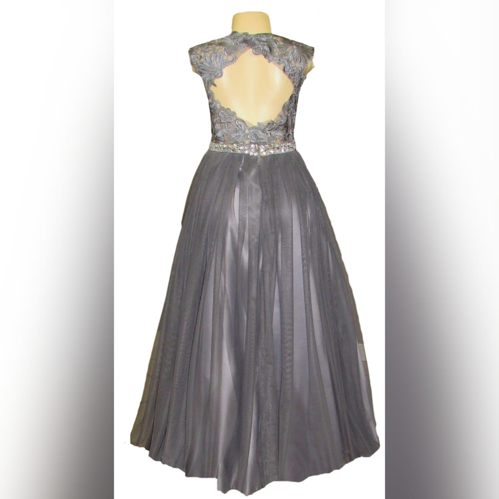 Grey long formal dress for a prom night 9