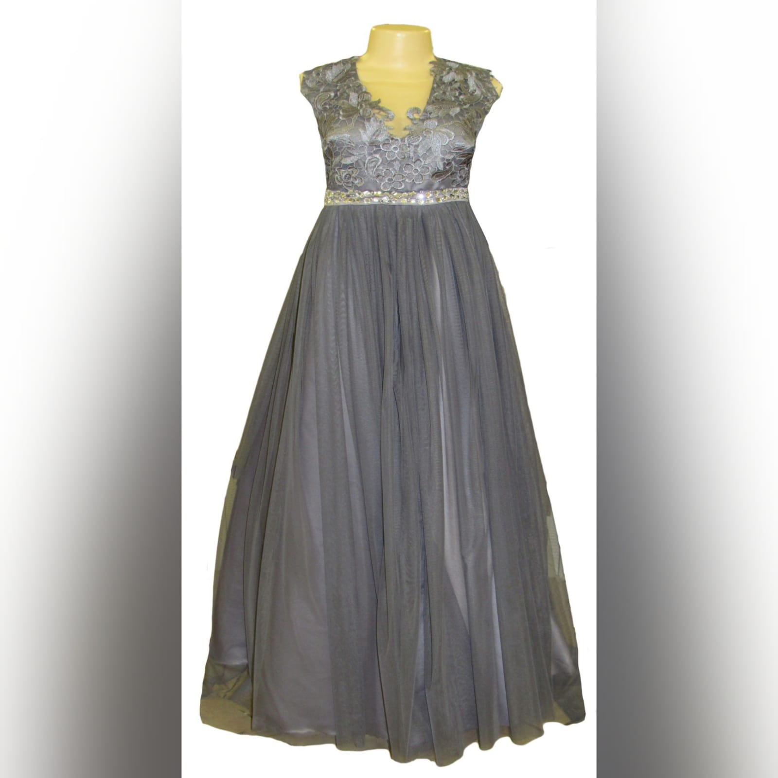 Grey long formal dress for a prom night 8