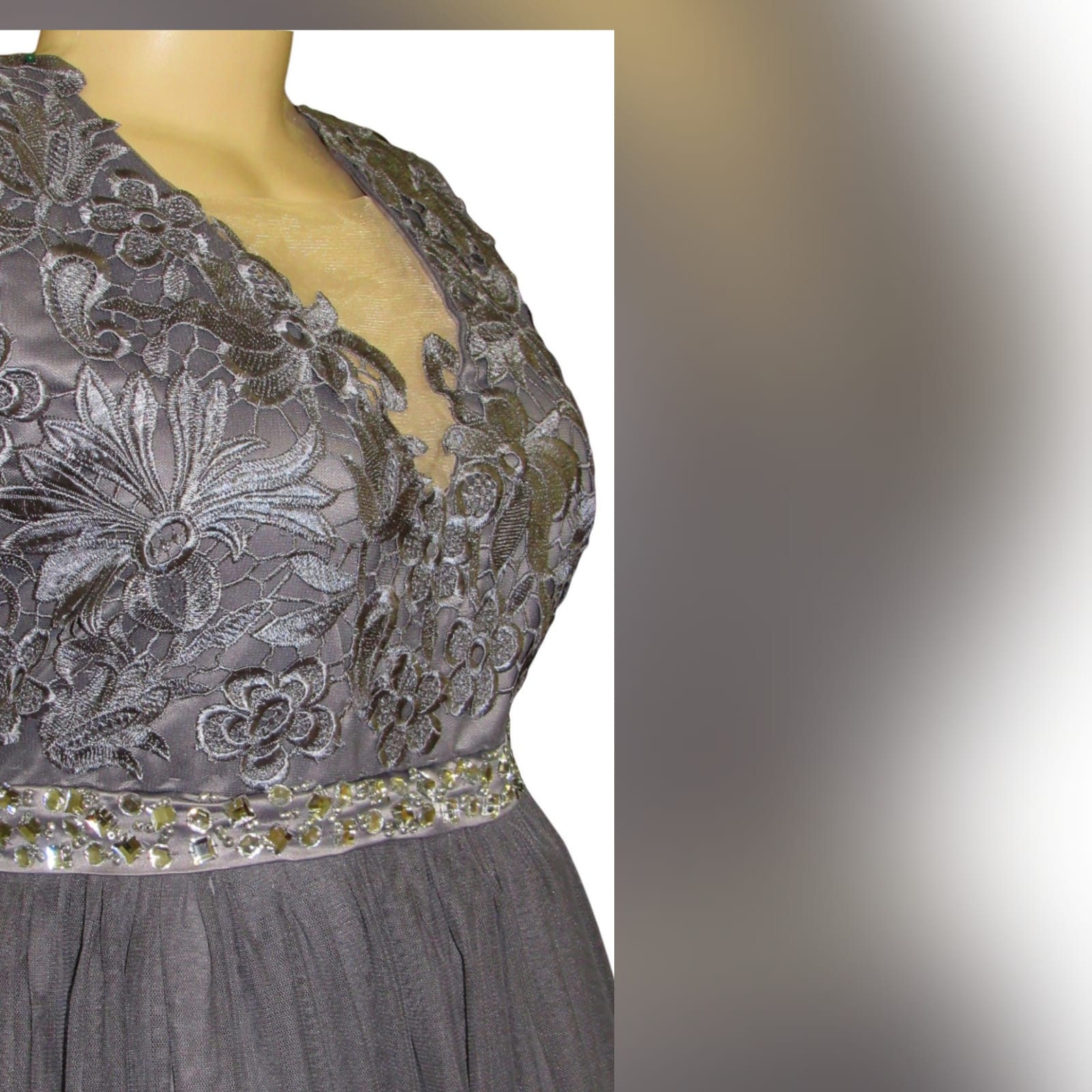Grey long formal dress for a prom night 6