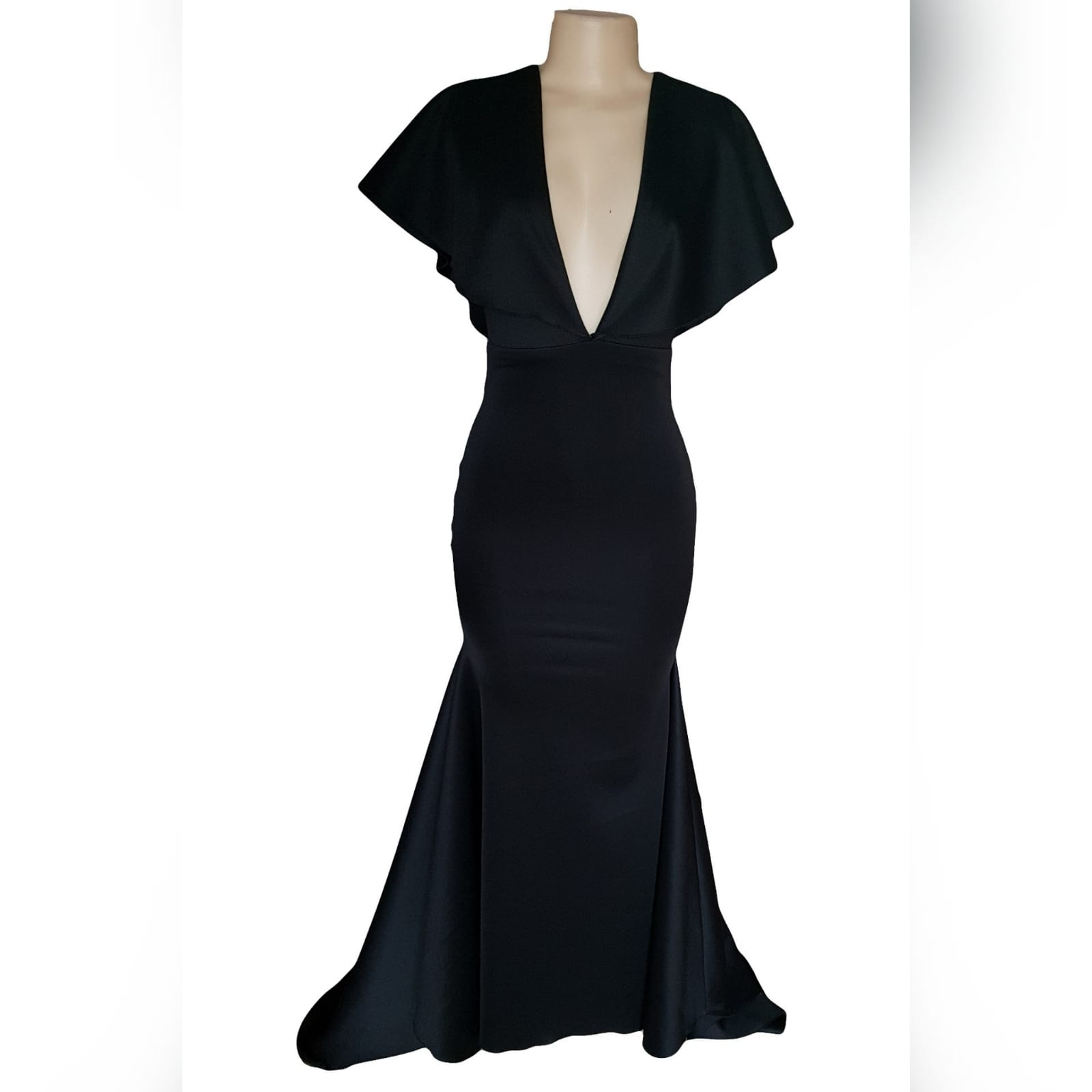 Black soft mermaid simple elegant evening dress 8 black soft mermaid simple elegant evening dress, made for prom night. With a plunging neckline, naked back, wide loose sleeves effect and a train