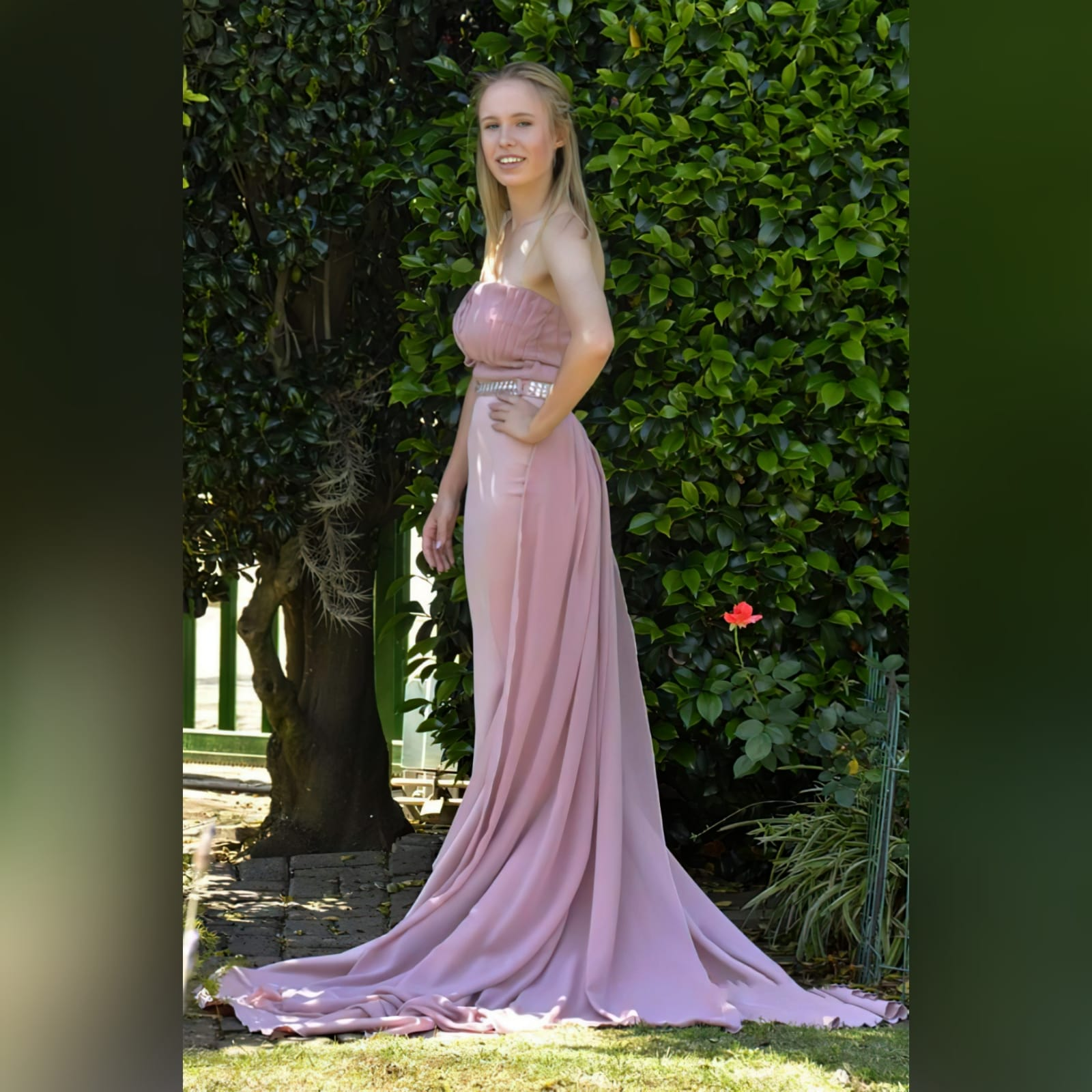 Dusty pink soft mermaid prom dress with a pleated bodice 6 dusty pink soft mermaid prom dress with a pleated bodice, with a train. Extra detachable chiffon train with a beaded belt and removable shoulder straps