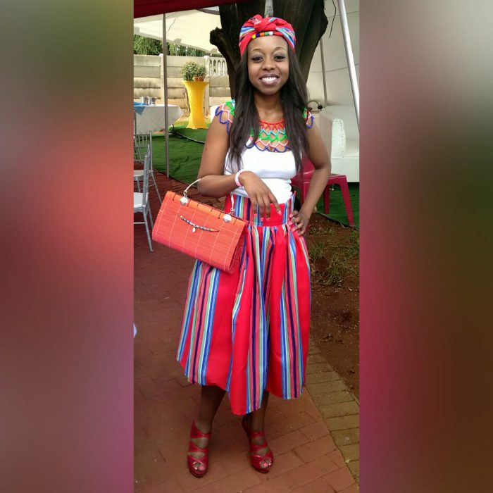 High waist traditional red Venda skirt (1)