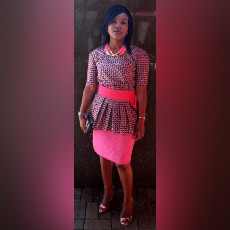 Pink pencil skirt and traditional top in Xhosa print (3)