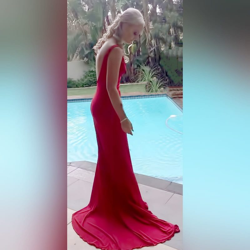 Red long sexy fitted prom dress - Marisela Veludo (4)