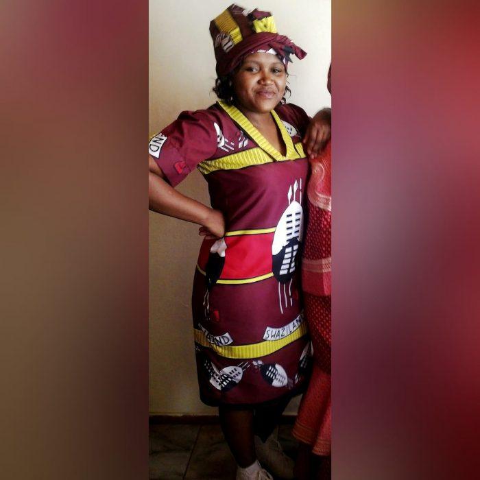 Traditional Swati dress with matching Swati doek (3)