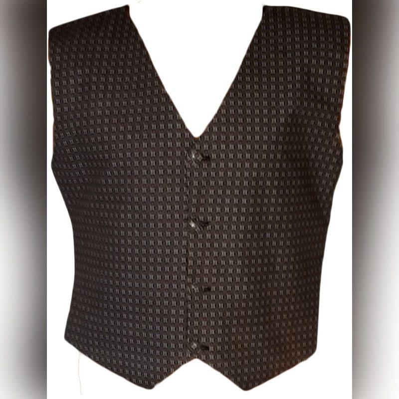 Traditional waistcoat in brown shweshwe (1)