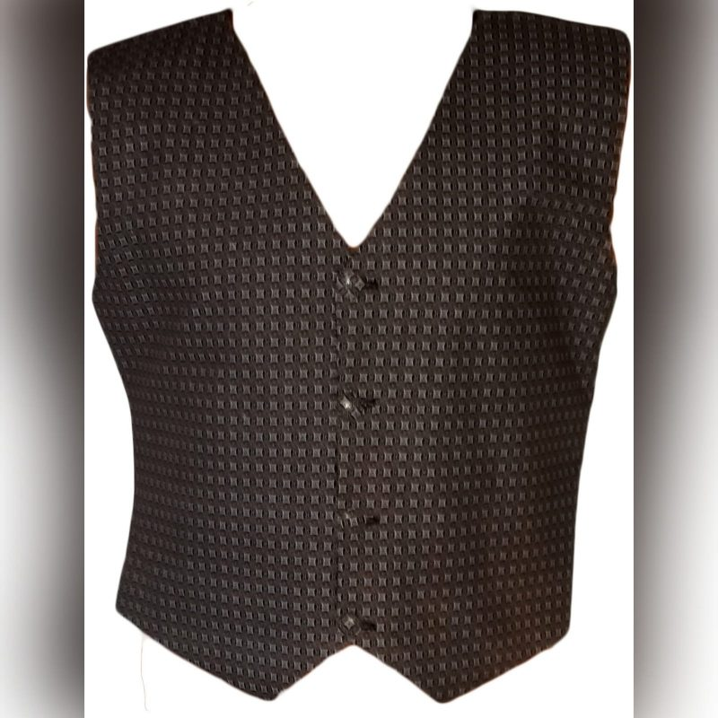 Traditional waistcoat in brown shweshwe (1)
