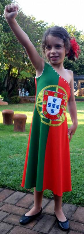 Vestido-de-bandeira-portugal. Jpg