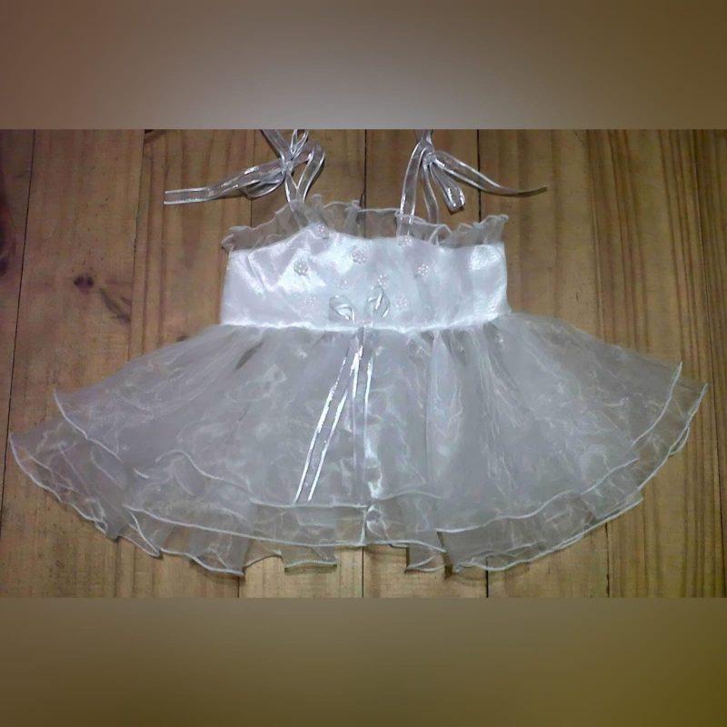 Vestido de batizado de organza nupcial branco