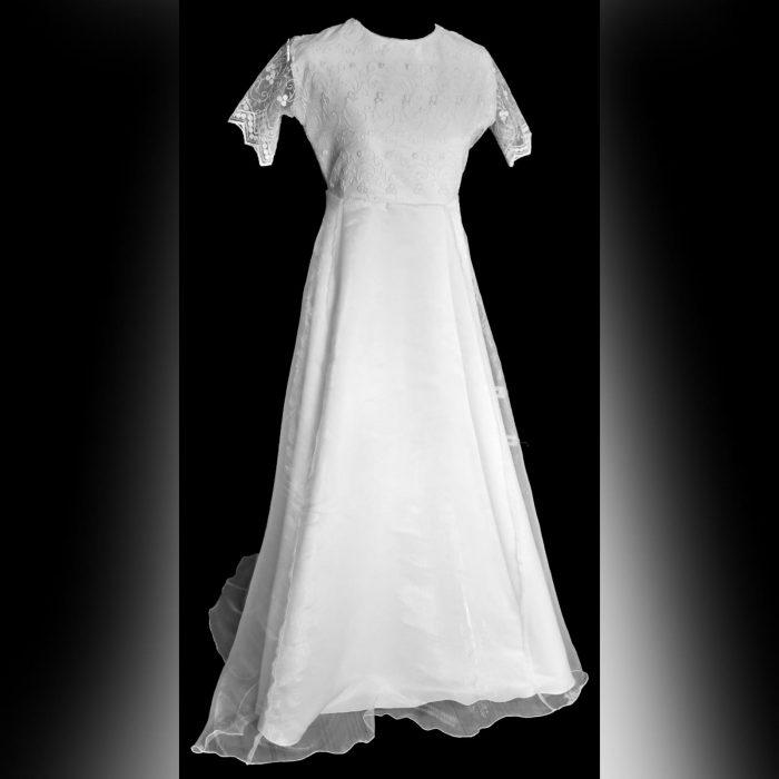Vestido de comunhão de renda com glitter (2)