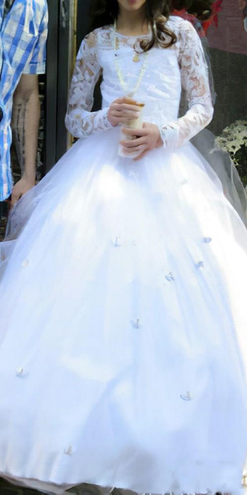 Custom-made-holy-communion-dress-by-marisela-veludo. Jpg