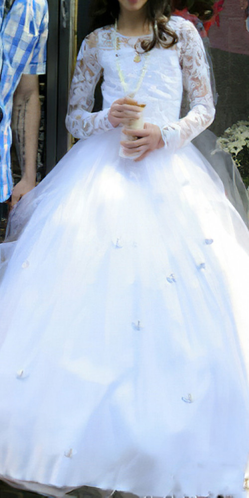 Custom-made-holy-communion-dress-by-marisela-veludo. Jpg